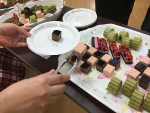 ケーキ選び2
