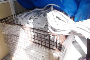 カゴいっぱいに積まれているゴムパッキン